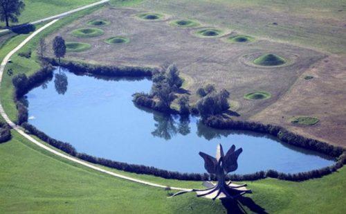 Џини Марацани Висконти: Недопустиво је што логор НДХ у Јасеновцу изгледа као терен за голф