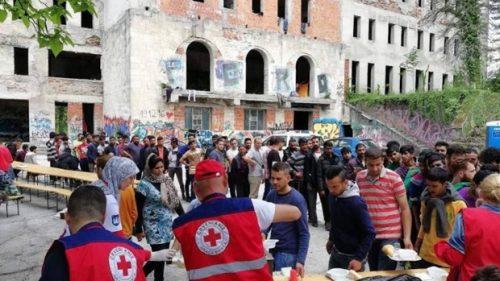 Протерали Србе, па на њихова огњишта доводе мигранте: На мети село крај Бихаћа