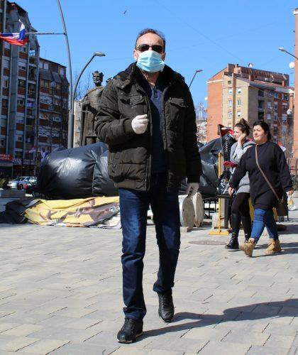Mnogi su sa maskama u gradu, maske su pouzdana zastita