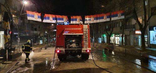 Pranje ulica u Kosovskoj Mitrovici