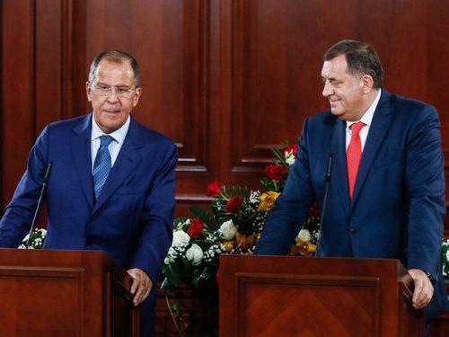 """Путин не заборавља: Русија ће Српској и БиХ помоћи """"медицинским материјалима"""""""