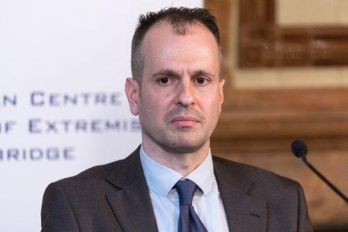 Маркус Пападопулос: Мигранти су опасност за друштво