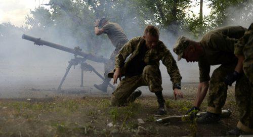 Још једно кршење примирја: Украјинска војска гранатирала Донбас