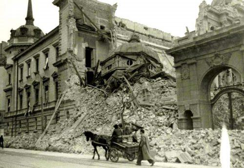 Почело бомбардовање – Хитлер на данашњи дан 6. априла 1941: Београд сравните са земљом