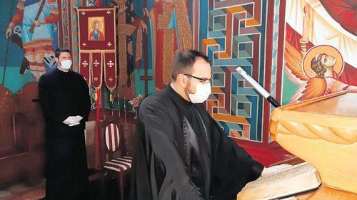 Иван Аћимовић: Овим маскама заправо маске падају или Антиблаговест о корони