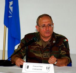 """Комадант Кфора Фабио Мини написао књигу """"Рат после рата"""""""