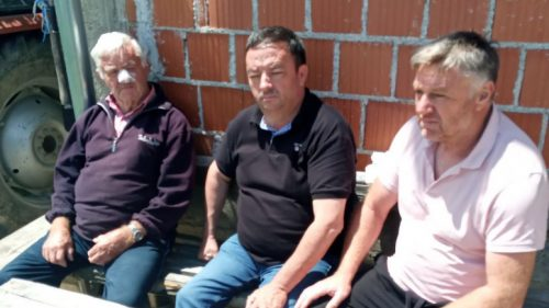 КиМ: Србин (86) повратник у селу код Клине нападнут и повређен; Каменована кућа Србина повратника у селу надомак Истока