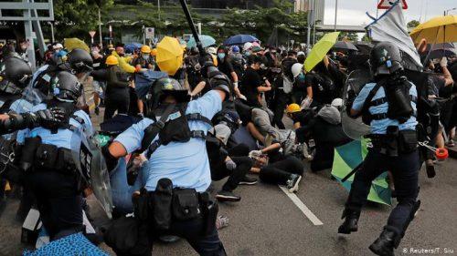 Заоштравање: Помпео оптужио Кину да је демонтирала аутономију Хонгконга