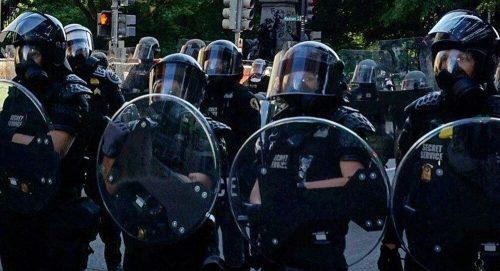 Демонстранти, пљачкаши, антитрамповци, Антифа: Ко све вуче конце великог лома у Америци