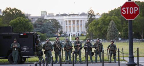 Трамп пред одлуком да на демонстранте пошаље војску по закону из 1807, Пентагон – засад против