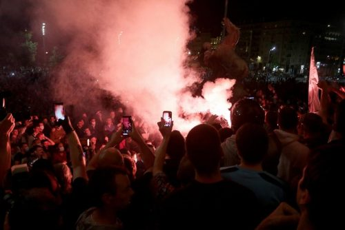 Полицајац: Народ су тукли након наређења из кабинета са Андрићевог венца