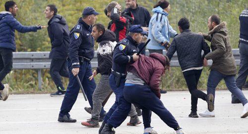 Туча у Великој Кладуши најављује много опасније догађаје у Босни