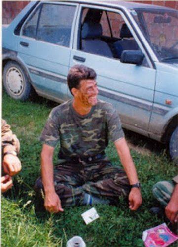 Хашим Тачи као  припадник ОВК