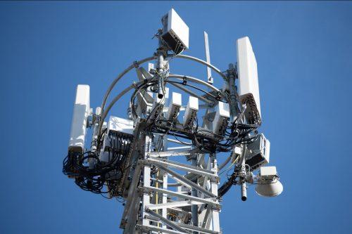 Двери: Кога сте питали за увођење 5Г мреже у техничком мандату Владе?