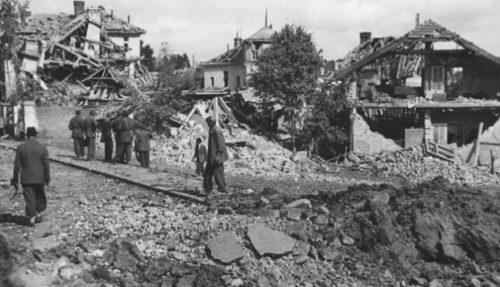 МОМЧИЛО ПАВЛОВИЋ: Под савезничким бомбама на Васкрс 1944.