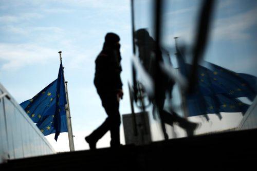 Климава европска кућа од карата