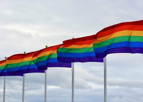 НОРВЕШКА РАТНА МОРНАРИЦА ПРВИ ПУТ ПЛОВИ ПОД ЛГБТ ЗАСТАВОМ: БИТНО НАМ ЈЕ ДА ПОДРЖИМО РАЗЛИЧИТОСТ