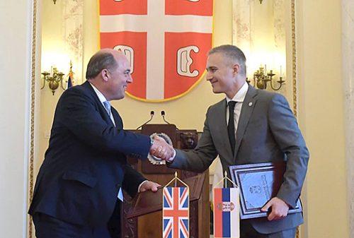 """Радио Слободна Европа: Британски министар одбране Бен Волас изјавио да су """"током његове посете Београду, Србија и Британија потписале споразум којим се спречава злоћудни утицај Русије"""""""