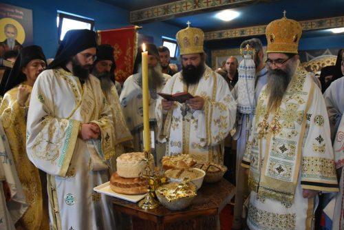 У манастиру Светог Харитона Косовског у Сурдуку свечано прослављена храмовна слава